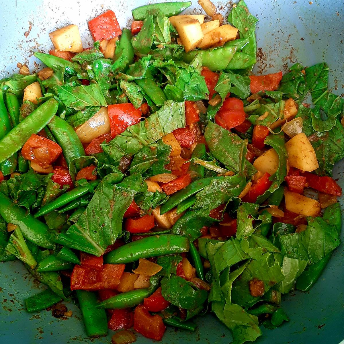 De groentes in de pan