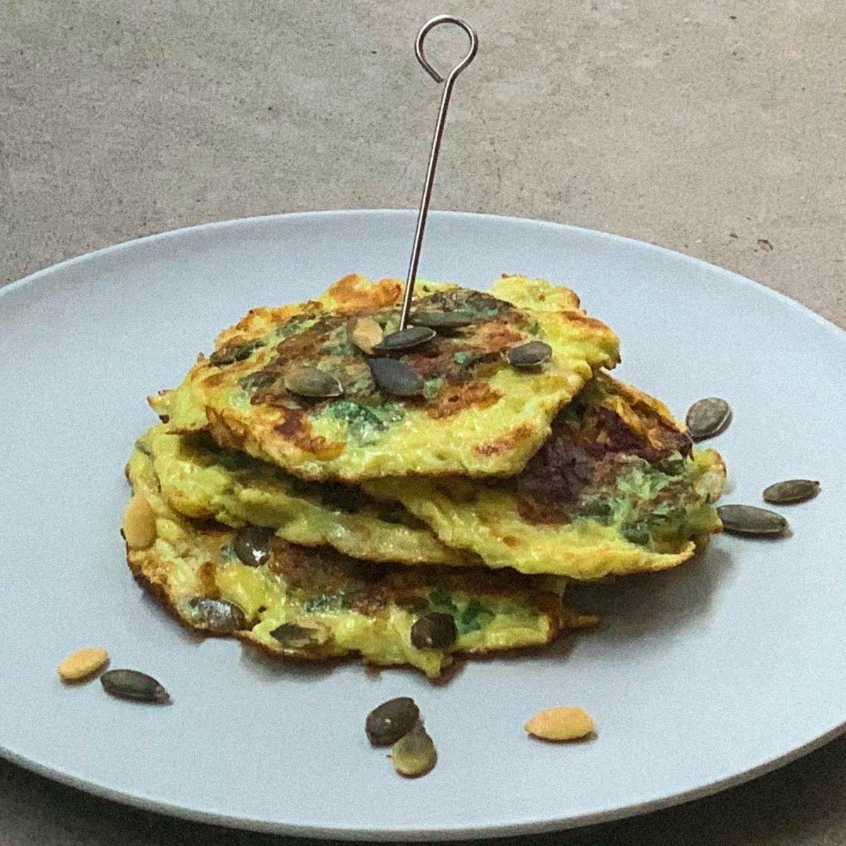 Koolhydraat arme en glutenvrije Pannenkoekjes met Nieuw Zeelandse spinazie uit de Makkelijke Moestuin