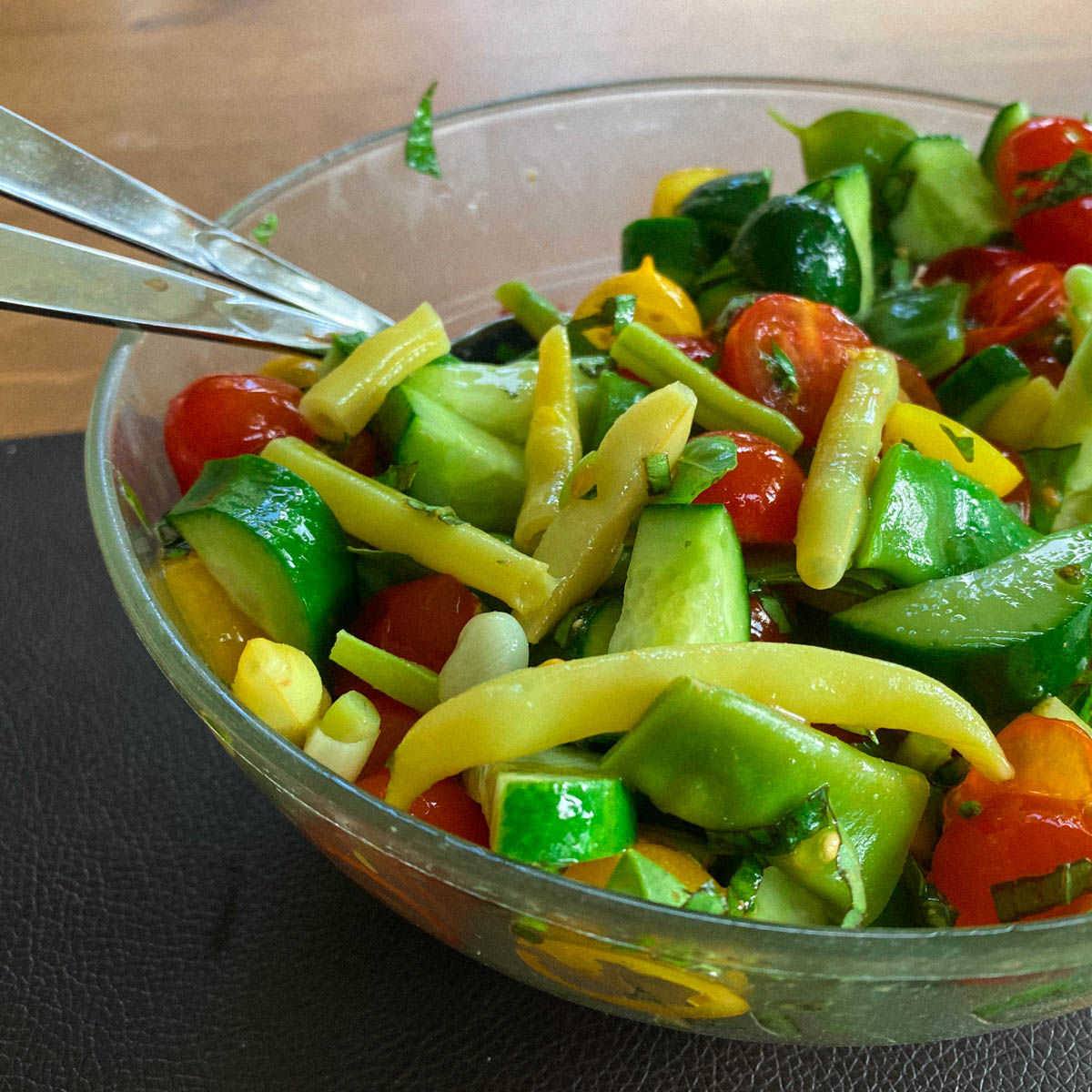 Salade met o.a. boterboontjes uit de Makkelijke Moestuin