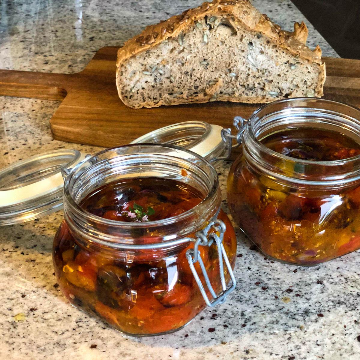 De ingemaakte tomaatjes uit de Makkelijke Moestuin